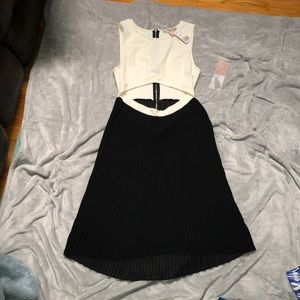 Forever 21   NWT Contemporary Combo Dress